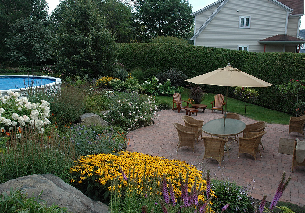 Am nagement cour arri re am nagement jardin terrain sherbrooke - Amenagement jardin petite surface ...