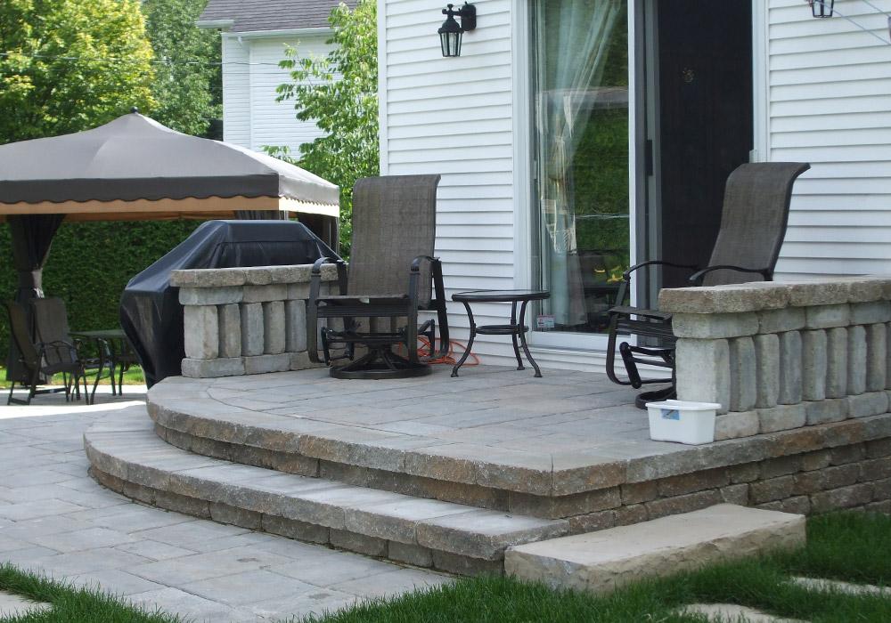 Am nagement patio pierre sherbrooke profil jardins - Amenagement de cour de maison ...